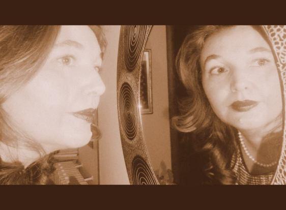 lucia-specchio